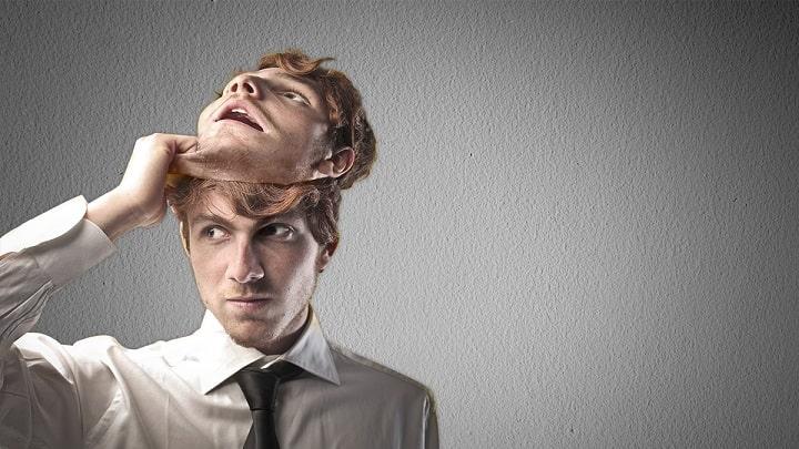 Признаки блефа и касание головы